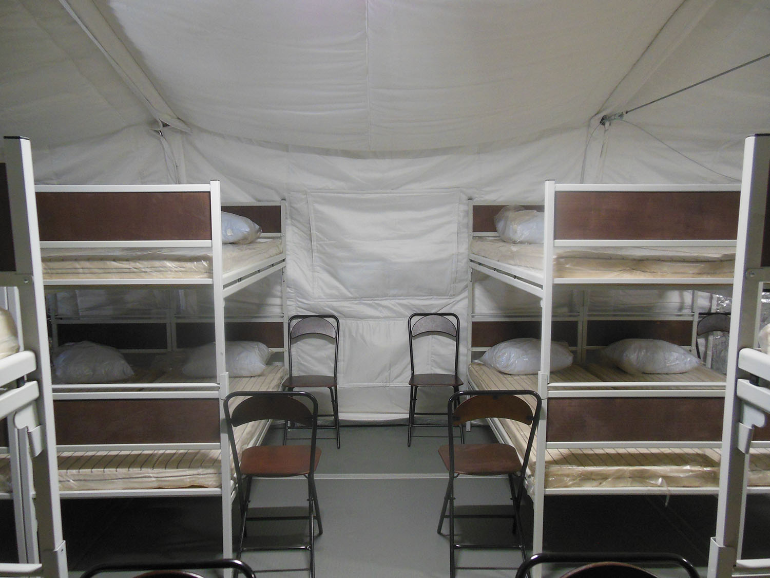 A military personnel accommodation tent (32-seat)